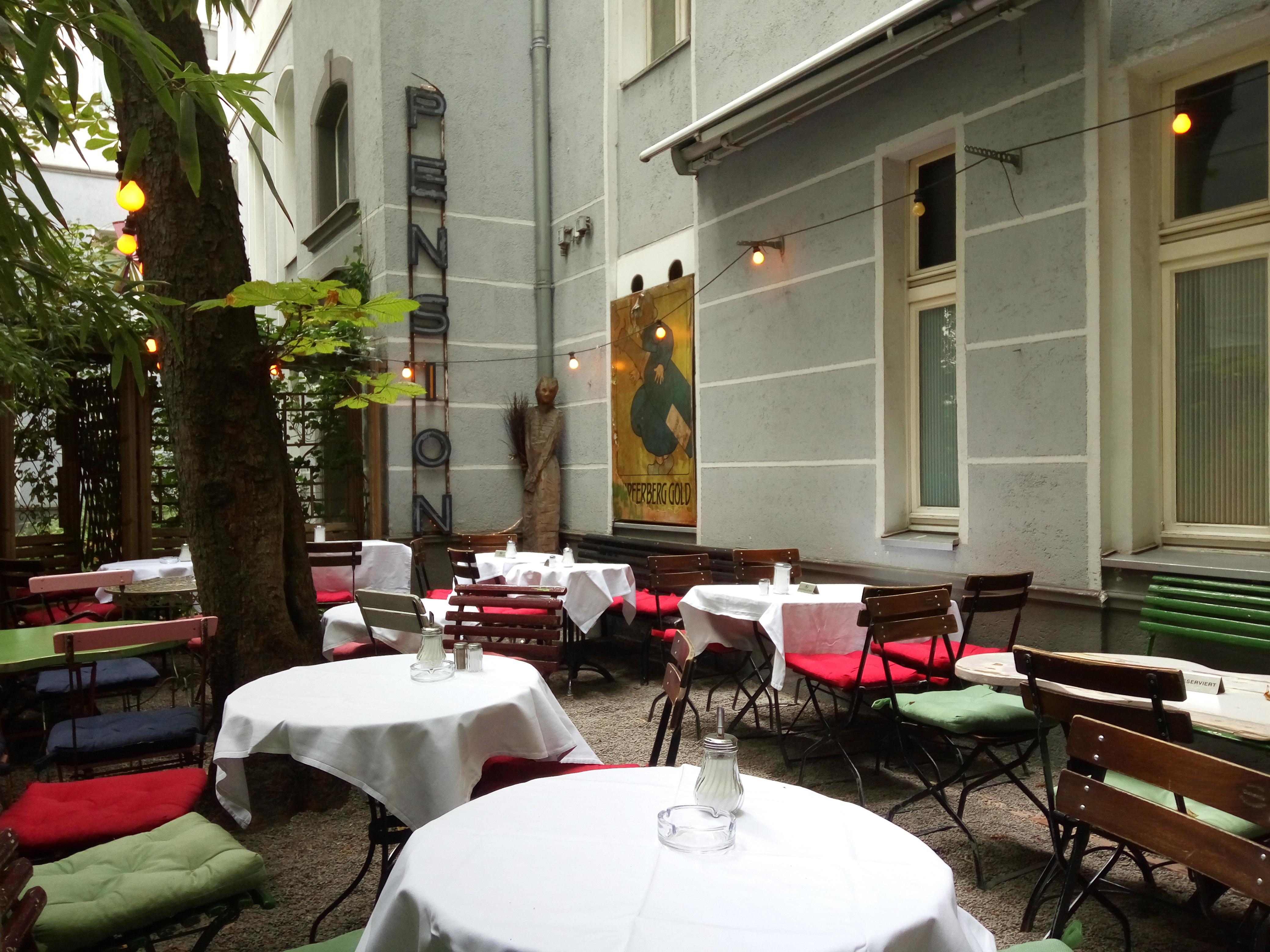 schwarzes-cafe-backyard-berlin