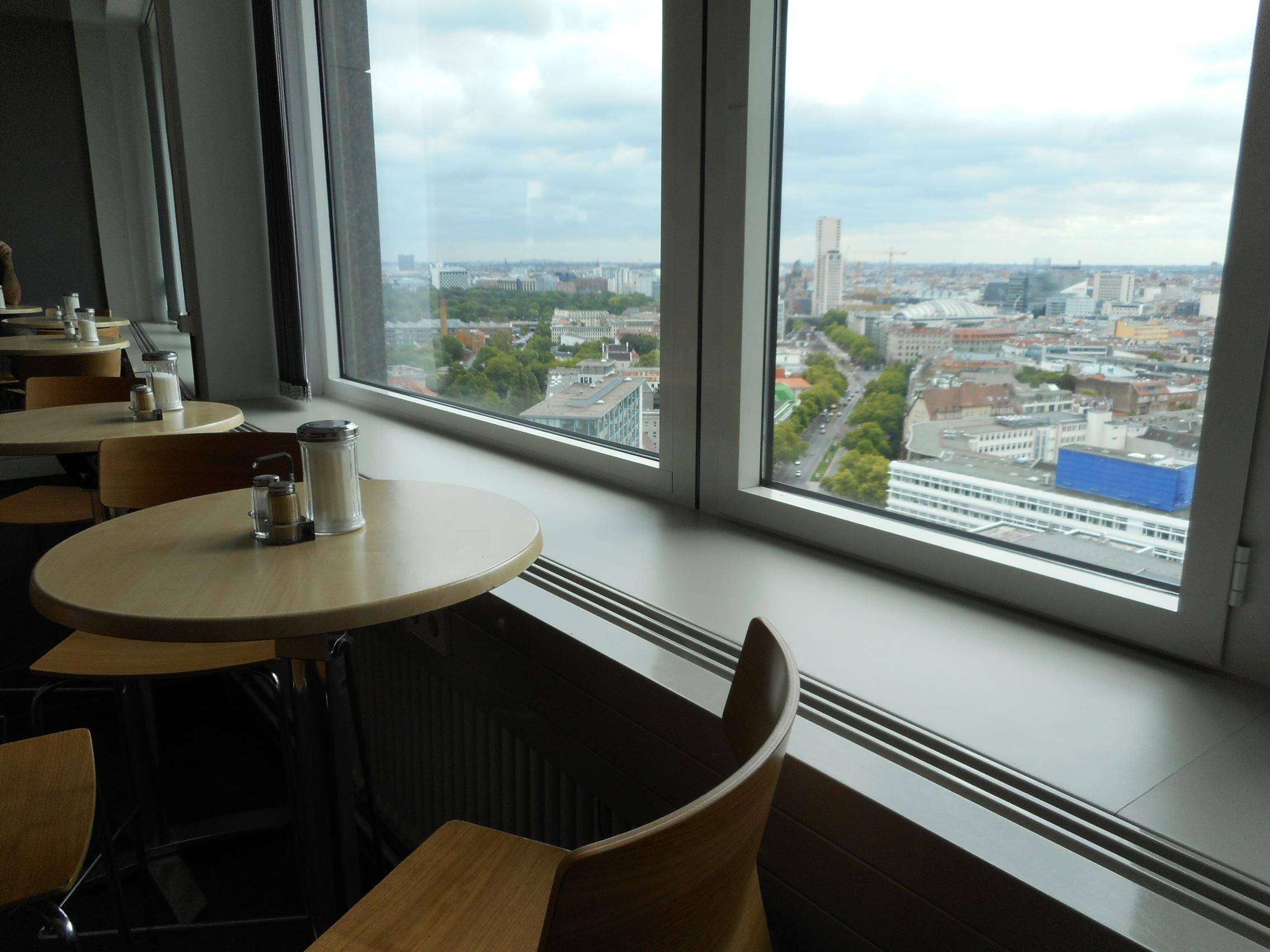 skyline-cafeteria-berlin-seats