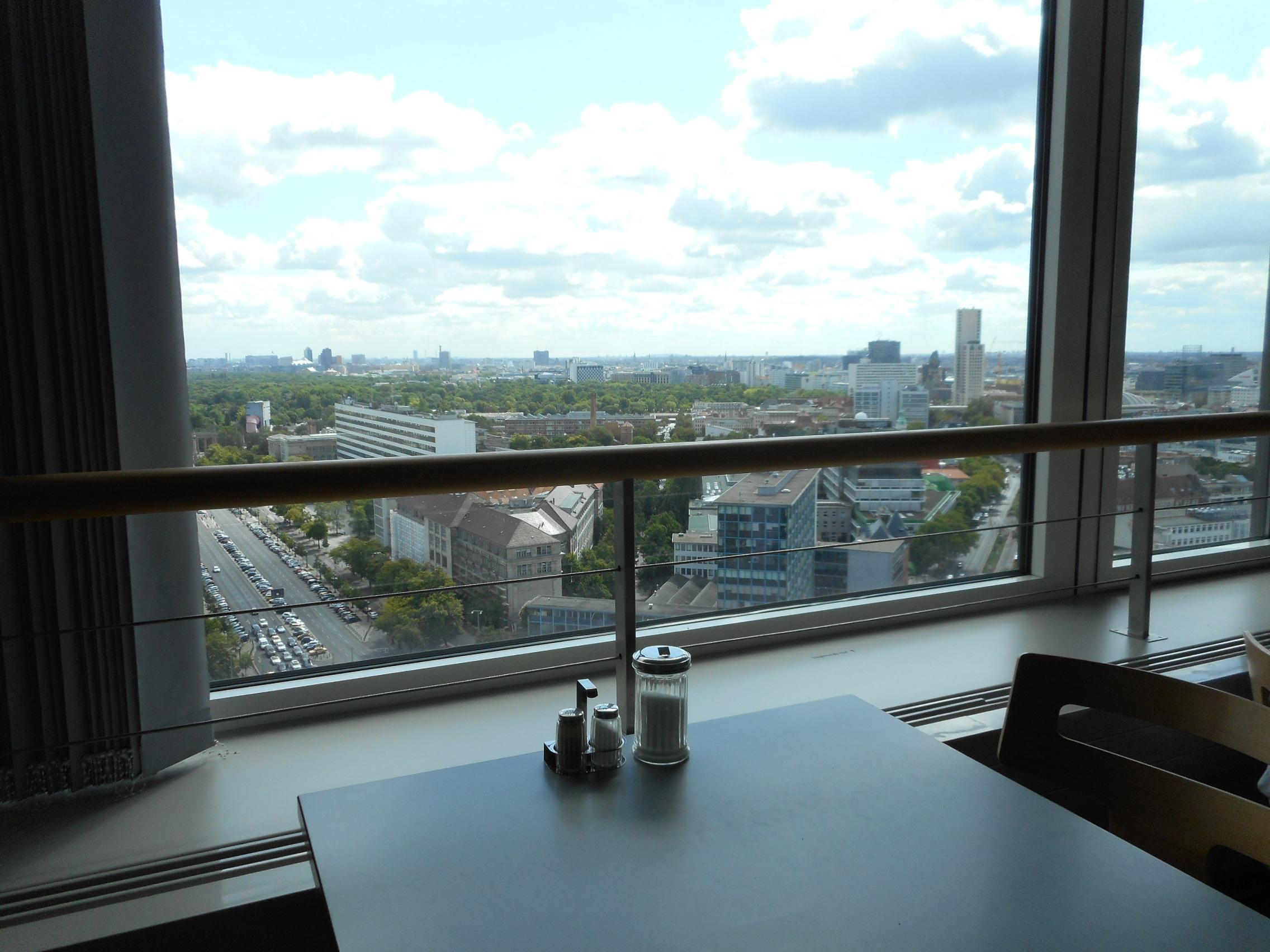 skyline-cafeteria-berlin-seats1